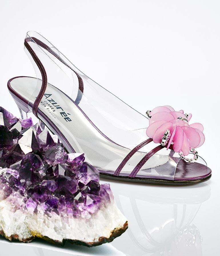 Escarpins cristal : la beauté des pieds mise en valeur